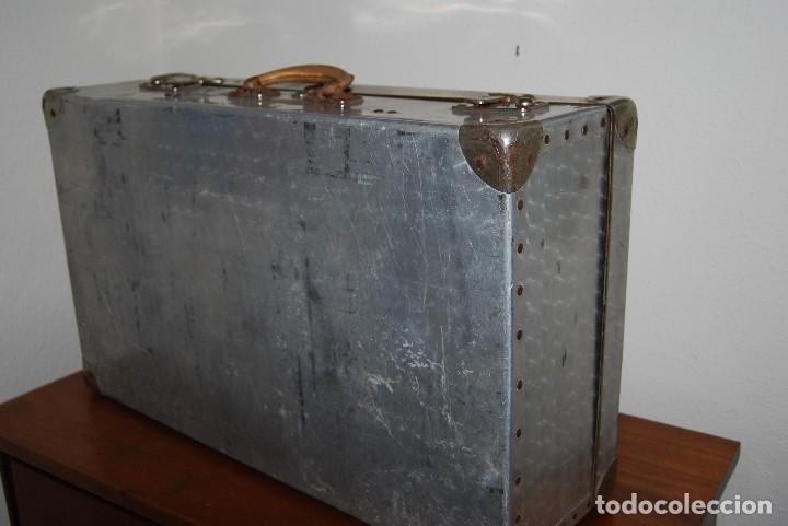 Antigüedades: ORIGINAL MALETA DE METAL - FRANCIA - AÑOS 40 - Foto 11 - 113224447