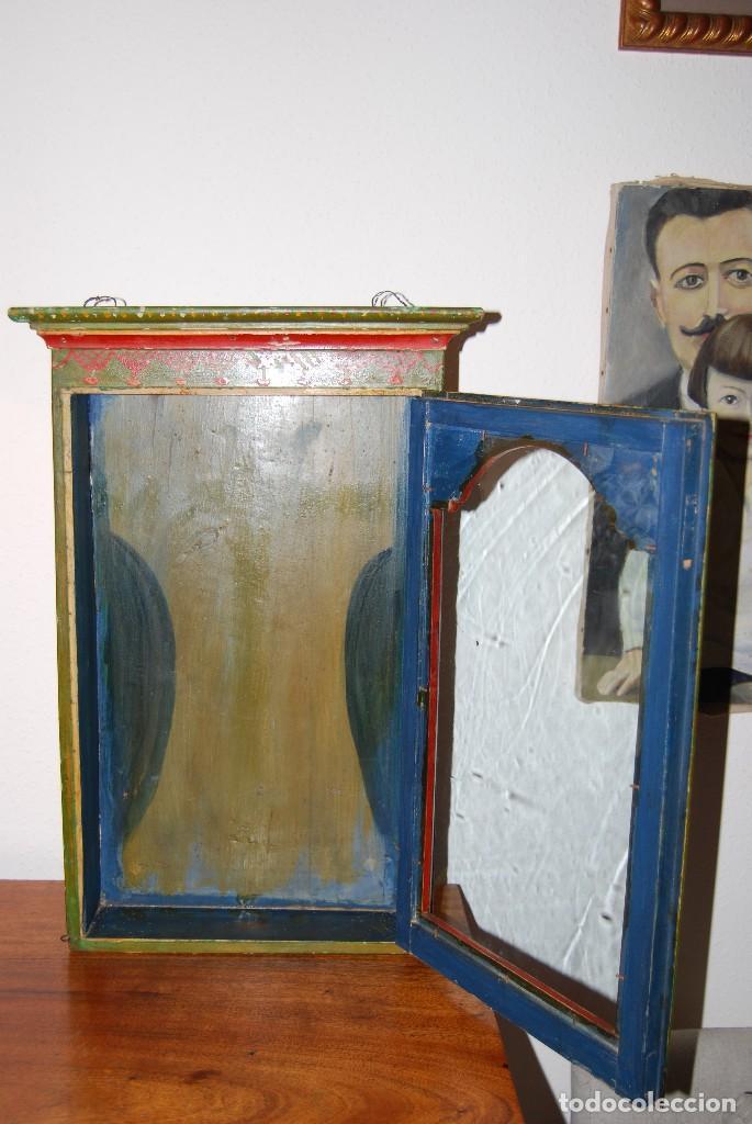 Antigüedades: PRECIOSA VITRINA DE MADERA POLICROMADA PARA IMAGEN RELIGIOSA - GUIRNALDA DE FLORES DE PAPEL - C.1900 - Foto 22 - 113230503