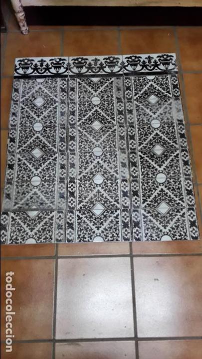 LOTE-PANEL DE 22 AZULEJOS MENSAQUE RODRÍGUEZ, TRIANA,1900 (Antigüedades - Porcelanas y Cerámicas - Triana)