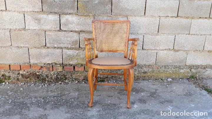 Antigüedades: Sillón antiguo de rejilla estilo rústico provenzal, silla antigua estilo Luis XV - Foto 2 - 113327967