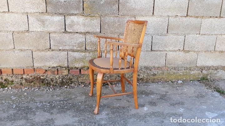 Antigüedades: Sillón antiguo de rejilla estilo rústico provenzal, silla antigua estilo Luis XV - Foto 3 - 113327967