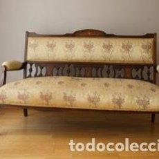 Antigüedades: DOS BUTACAS Y UN SOFÁ INGLESES. Lote 113352183