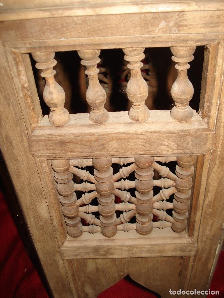 Antigüedades: ANTIGUA MESA DE MADERA EXAGONAL CON ADORNO EN SU TOTALIDAD - Foto 3 - 113370515
