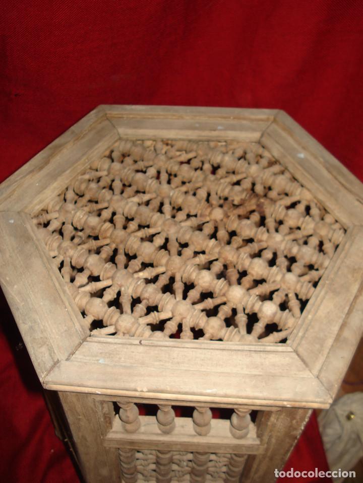 Antigüedades: ANTIGUA MESA DE MADERA EXAGONAL CON ADORNO EN SU TOTALIDAD - Foto 5 - 113370515