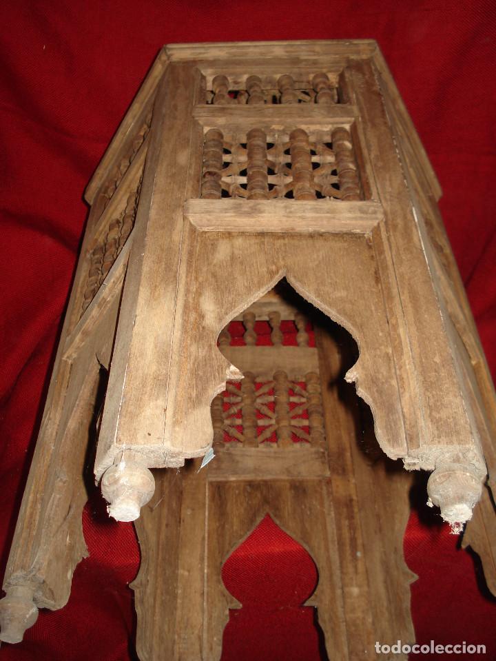 Antigüedades: ANTIGUA MESA DE MADERA EXAGONAL CON ADORNO EN SU TOTALIDAD - Foto 9 - 113370515