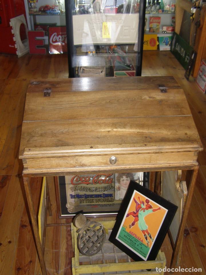 Antigüedades: Mueble auxiliar de roble con cerradura y llave. Antiguo comercio. - Foto 6 - 113390319