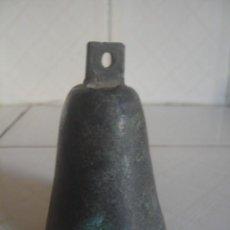Antigüedades: CAMPANA / CENCERRO DE BRONCE. MARRUECOS, SIGLO XIX. SONIDO FUERTE Y ARMONIOSO. Lote 113403359