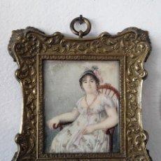 Antigüedades - Retrato de dama en miniatura pintado sobre marfil. Principios del siglo XIX - 113409611