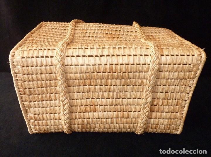Antigüedades: ANTIGUA CESTA O BOLSO CON ASAS DE MIMBRE, FORRADO EN INTERIOR. AÑOS 70. NUEVA - Foto 8 - 113429755