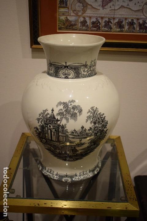 JARRÓN CARTUJA (Antigüedades - Porcelanas y Cerámicas - La Cartuja Pickman)