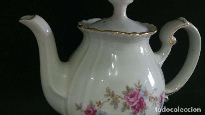 Antigüedades: Fina tetera cafetera de porcelana elegante - Foto 2 - 113492527