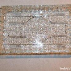 Antigüedades: BANDEJA RECTANGULAR DE CRISTAL TALLADO, 19 * 11 CMS. PERFECTA CONSERVACIÒN.. Lote 113532643