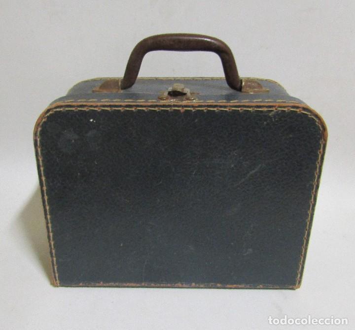 Antigüedades: PEQUEÑA MALETA DE MANO DE CARTON FORRADA 17 X 21,5 X 10 CMS APROX. VER IMAGENES - Foto 4 - 113533995
