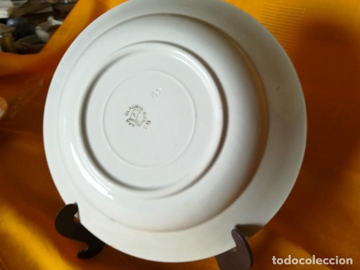 Antigüedades: BONITO PLATO HONDO. FLORECILLAS PINTADAS A MANO. DORADOS. SAN CLAUDIO. OVIEDO. RDO. DE AMAYATE. - Foto 5 - 113581315