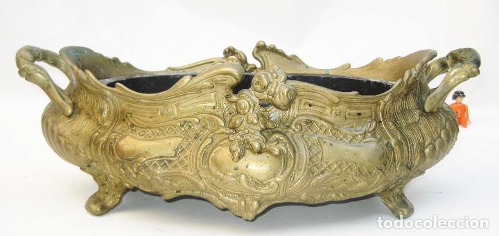 Antigüedades: ESPECTACULAR CENTRO DE MESA ANTIGUO ORIGINAL FORMA ISABELINA EN BRONCE - Foto 2 - 113612247