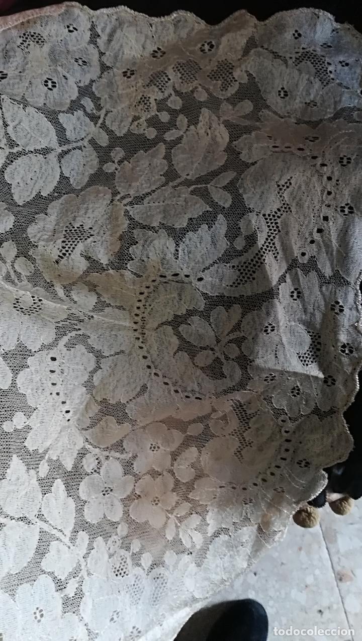 Antigüedades: Mantilla antigua floral en seda - Foto 3 - 156931529