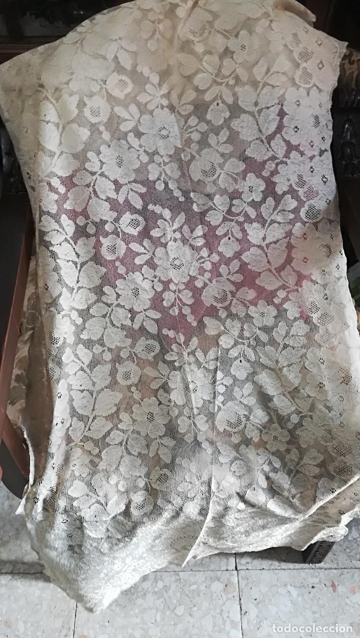 Antigüedades: Mantilla antigua floral en seda - Foto 4 - 156931529