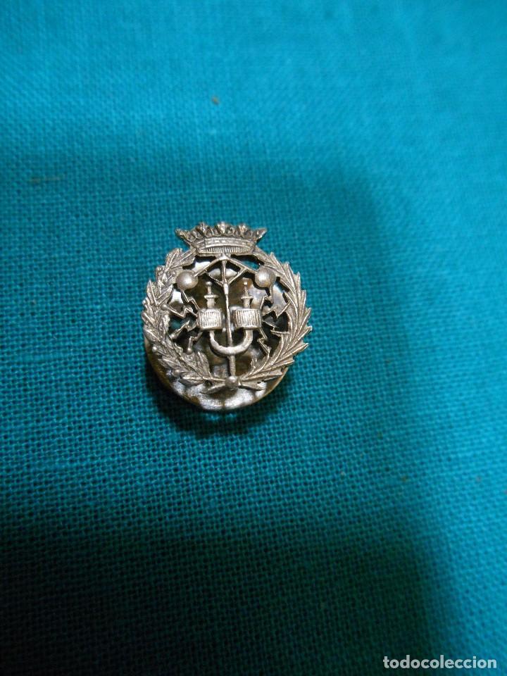 PIN OJAL PLATA DE LEY PROFESIÓN O CARRERA UNIVERSITARIA (Antigüedades - Platería - Plata de Ley Antigua)