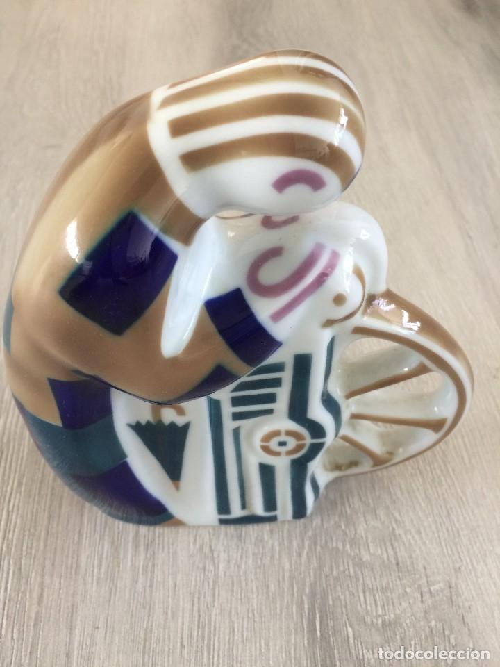 Antigüedades: Figura de porcelana de Sargadelos, EL AFILADOR. - Foto 4 - 113625491
