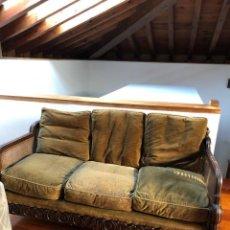 Antigüedades: TRESILLO DE MADERA TALLADA Y REJILLA, PRINCIPIO S. XX, SOFÁ Y DOS BUTACONES. Lote 112324927