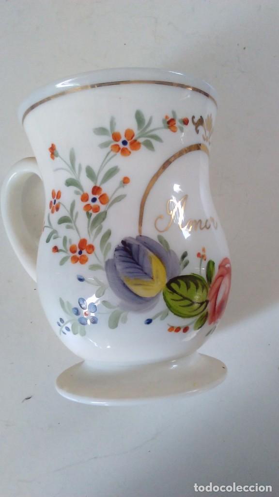 Antigüedades: Jarra o jarrita opalina de la Granja con inscripción Amor mio y con motivos florales - Foto 2 - 113669907