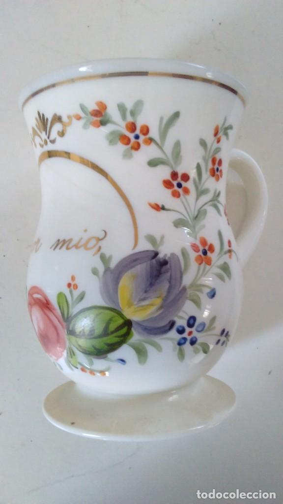 Antigüedades: Jarra o jarrita opalina de la Granja con inscripción Amor mio y con motivos florales - Foto 3 - 113669907