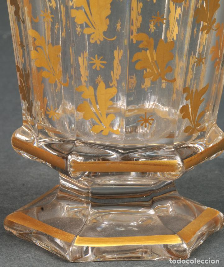 Antigüedades: Vaso de cristal de La Granja con decoración vegetal en dorado siglo XIX - Foto 4 - 113671599