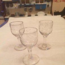 Antigüedades - Antiguas 3 copa / copas de licor / chupito sopladas y talladas a mano años 20-30 - 113677587