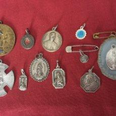 Antigüedades: LOTE RELIGIOSO MEDALLAS, RELICARIOS ANTIGUOS. Lote 113678696