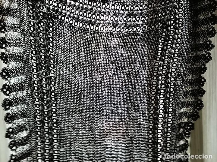 Antigüedades: Mantilla en seda natural. Hecha a mano. - Foto 2 - 113684235