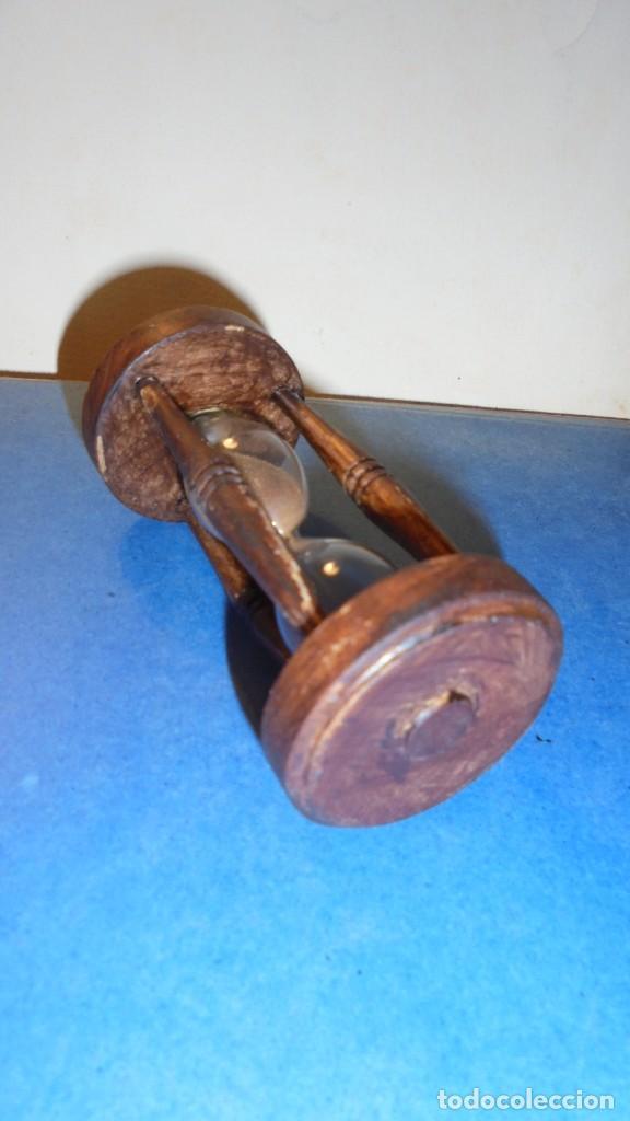 Antigüedades: ANTIGUO RELOJ DE ARENA - 9,5X4,5 CM. - DURACION 3 MINUTOS - Foto 3 - 113698559