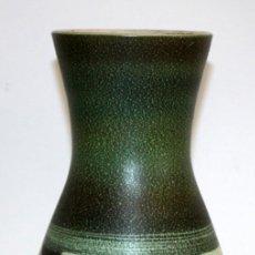 Antigüedades: JARRON EN CERÁMICA PINTADA DE LOS TALLERES SERRA. Lote 113727747