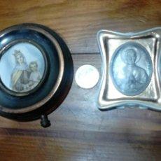 Antigüedades: LOTE DE 2 ANTIGUOS PORTAFOTOS CON FOTO,RELIGIOSOS, VER FOTOS. Lote 113728840