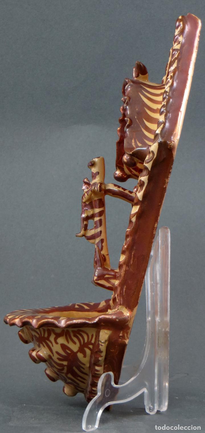 Antigüedades: Benditera cerámica Manises reflejo metálico siglo XX - Foto 5 - 113755247