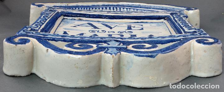 Antigüedades: Placa Ave María cerámica esmaltada blanca y azul Triana principios del siglo XX - Foto 5 - 113763951