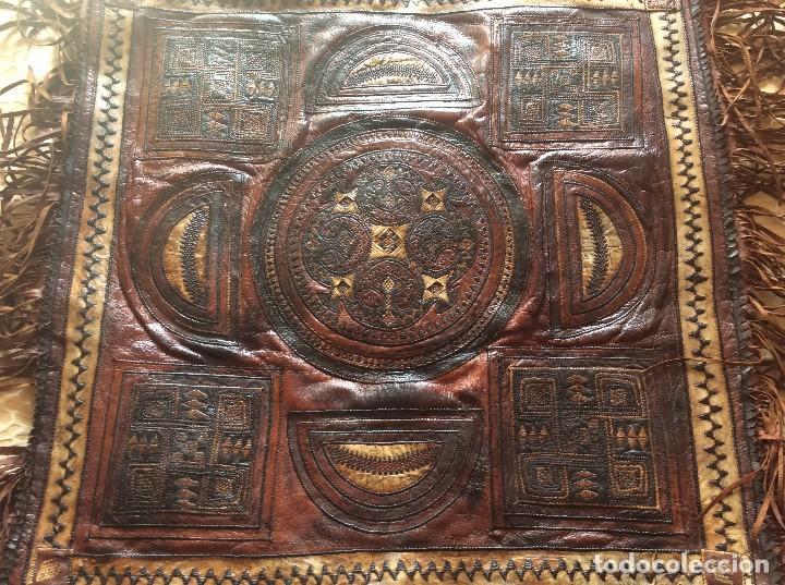 LINDISSIMO ALFOMBRA DE PIEL DE FINALES DEL SIGLO XIX, PRINCIPIOS DEL SIGLO XX (Antigüedades - Hogar y Decoración - Alfombras Antiguas)