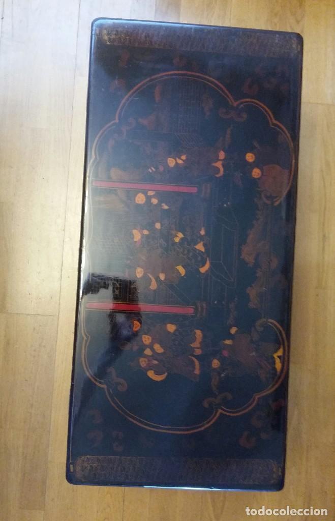 Antigüedades: Baúl lacado a mano,chino antiguo,con soporte -mesa - Foto 3 - 113853515
