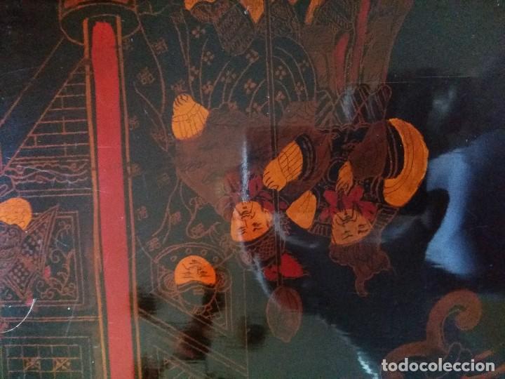Antigüedades: Baúl lacado a mano,chino antiguo,con soporte -mesa - Foto 5 - 113853515