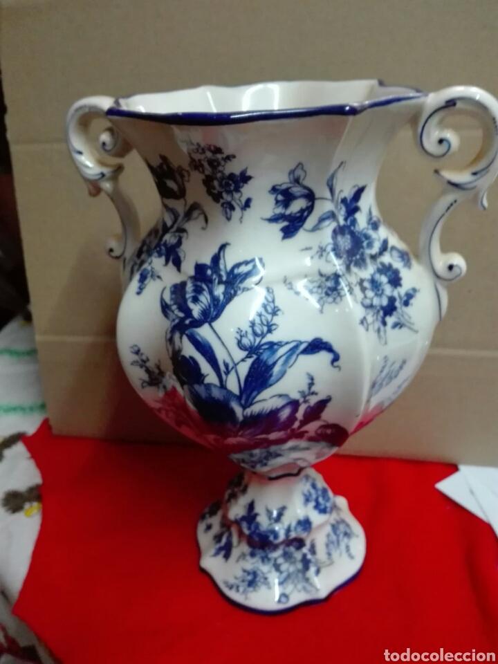 JARRÓN CERÁMICA HOLANDÉS 26 CM (Antigüedades - Porcelana y Cerámica - Holandesa - Delft)