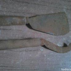 Antigüedades: LOTE 2 ANTIGUAS HERRAMIENTAS, UTENSILIOS DE CAMPO,IDEAL RESTAURADORES. Lote 113948596