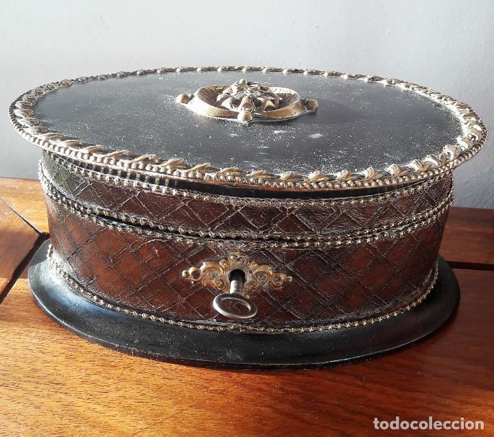 CAJA-JOYERO DE MADERA Y PIEL SIGLO XIX. (Antigüedades - Hogar y Decoración - Cajas Antiguas)