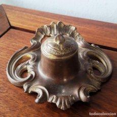 Antigüedades: TINTERO DE BRONCE MODERNISTA. Lote 114044995