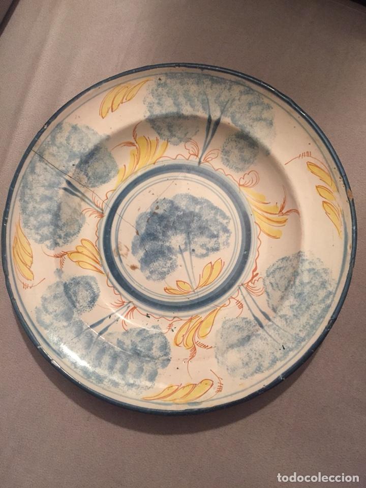 PLATO DE CERÁMICA MANISES O TALAVERA SIGLO XIX (Antigüedades - Porcelanas y Cerámicas - Manises)