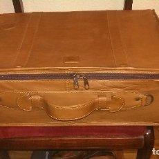 Antigüedades: MALETA PIEL MARCA COTTIER, CON LOGO DE MARCA Y (S) DE SEAT, 50X35X15 CM.. Lote 117258406
