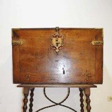 Antigüedades: BARGUEÑO ANTIGUO DE MADERA, SIGLO XVIII. Lote 114104799