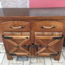 Antigüedades: APARADOR ANTIGUO DE MADERA. Lote 114146139