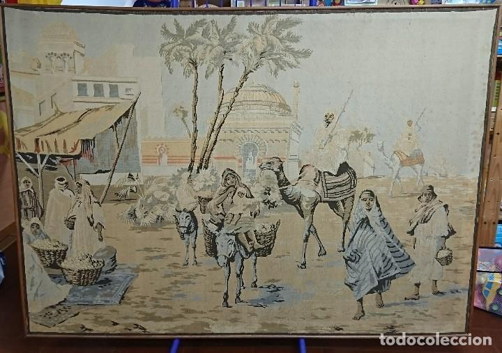ANTIGUO TAPIZ DE HILO NATURAL, MOTIVOS AFRICANOS (Antigüedades - Hogar y Decoración - Tapices Antiguos)