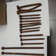 Antigüedades: LOTE 19 TORNILLOS CABEZAL DE CAMA. VARIAS MEDIDAS.. Lote 114205599