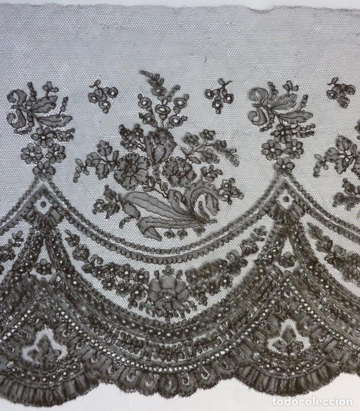 Antigüedades: ANTIGUO ENCAJE DE CHANTILLY S.XIX - Foto 2 - 114220579