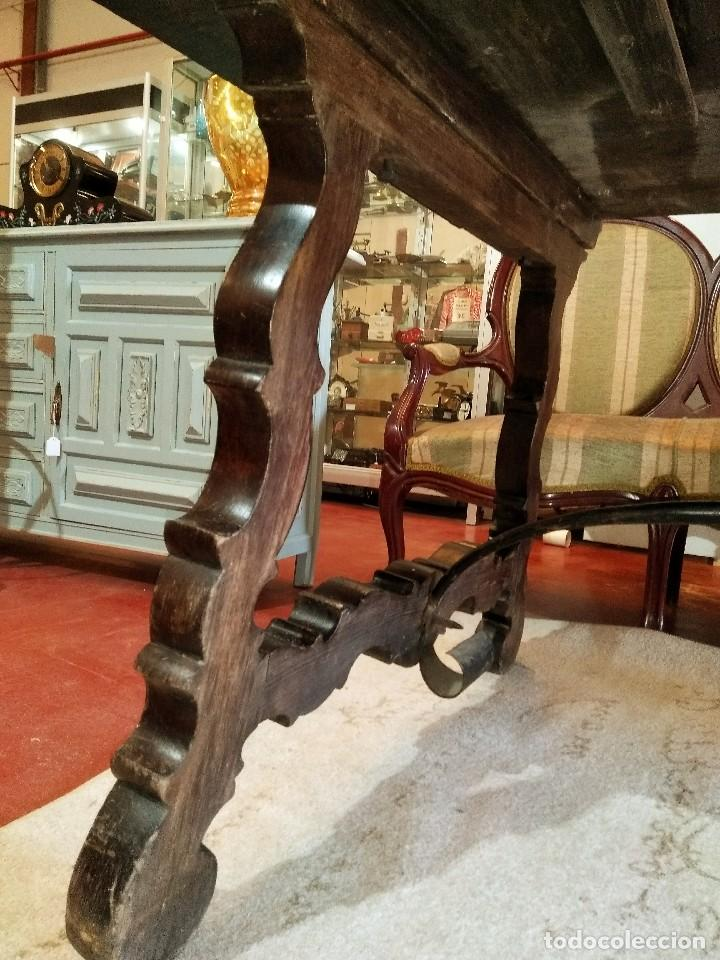 Antigüedades: MESA CON FIADORES Y PATA DE LIRA - Foto 6 - 114248919